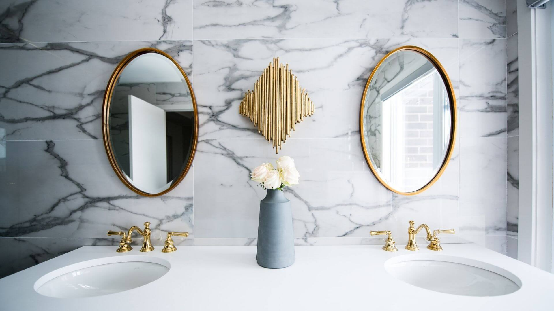 Right Placement of Mirror